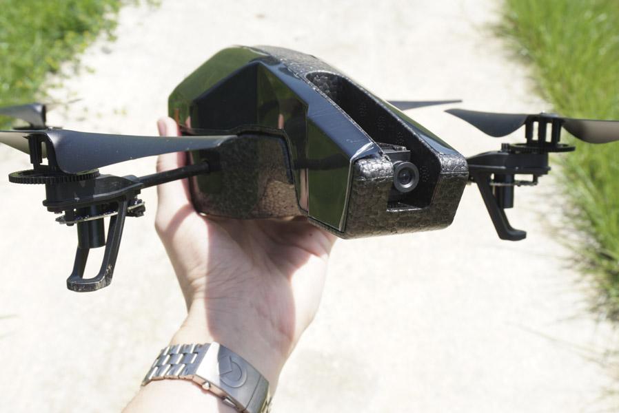 drona-parrot-ar-drone-20
