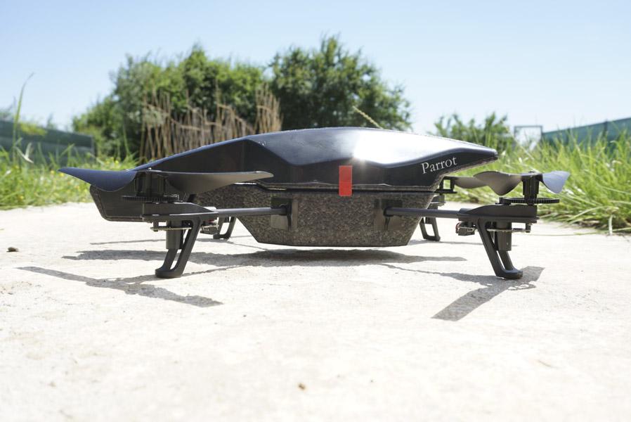 drona-parrot-ar-drone-22