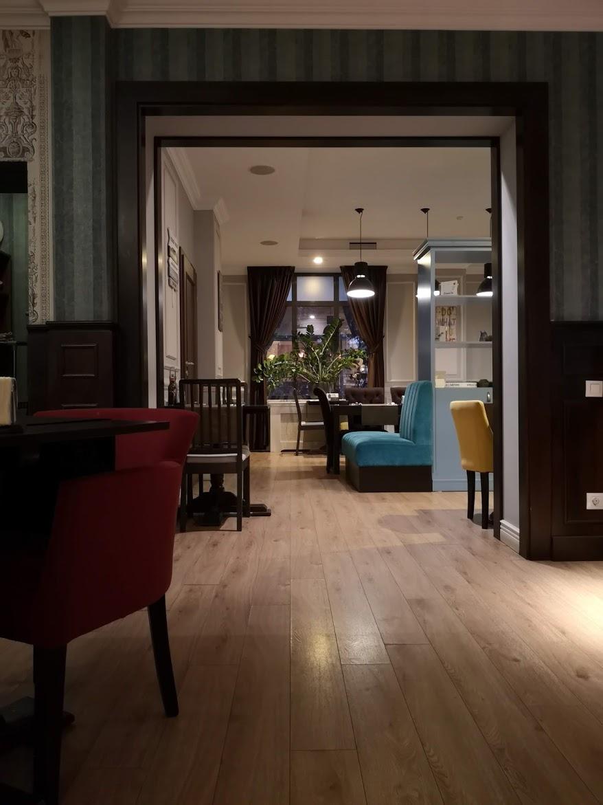 restaurant la samuelle interior
