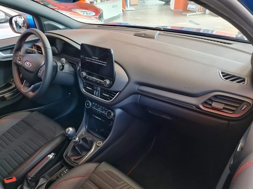 interior Ford Puma 1.0 ecoboost st-line